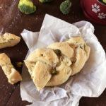 Treccia di pane con broccoli